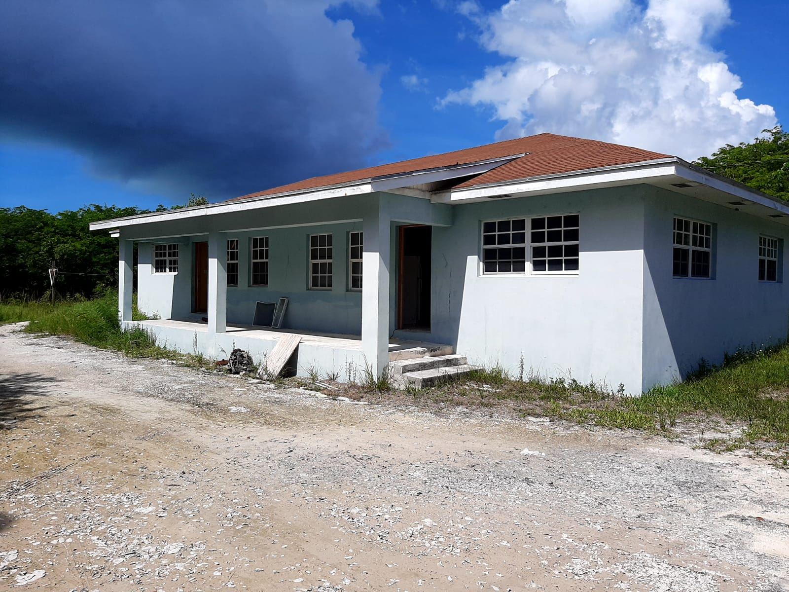 /listing-duplex-2nd-corner-off-forest-35479.html from Coldwell Banker Bahamas Real Estate