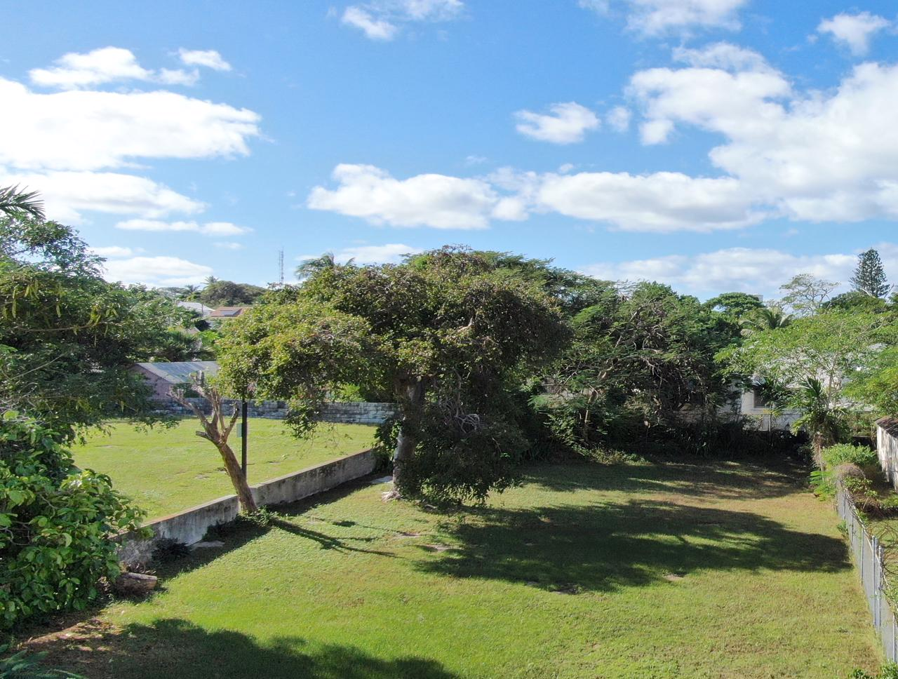 Nassau Home with additional vacant lot