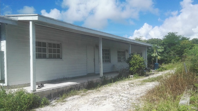 /listing-duplex-3rd-corner-off-blvd-road-35838.html from Coldwell Banker Bahamas Real Estate