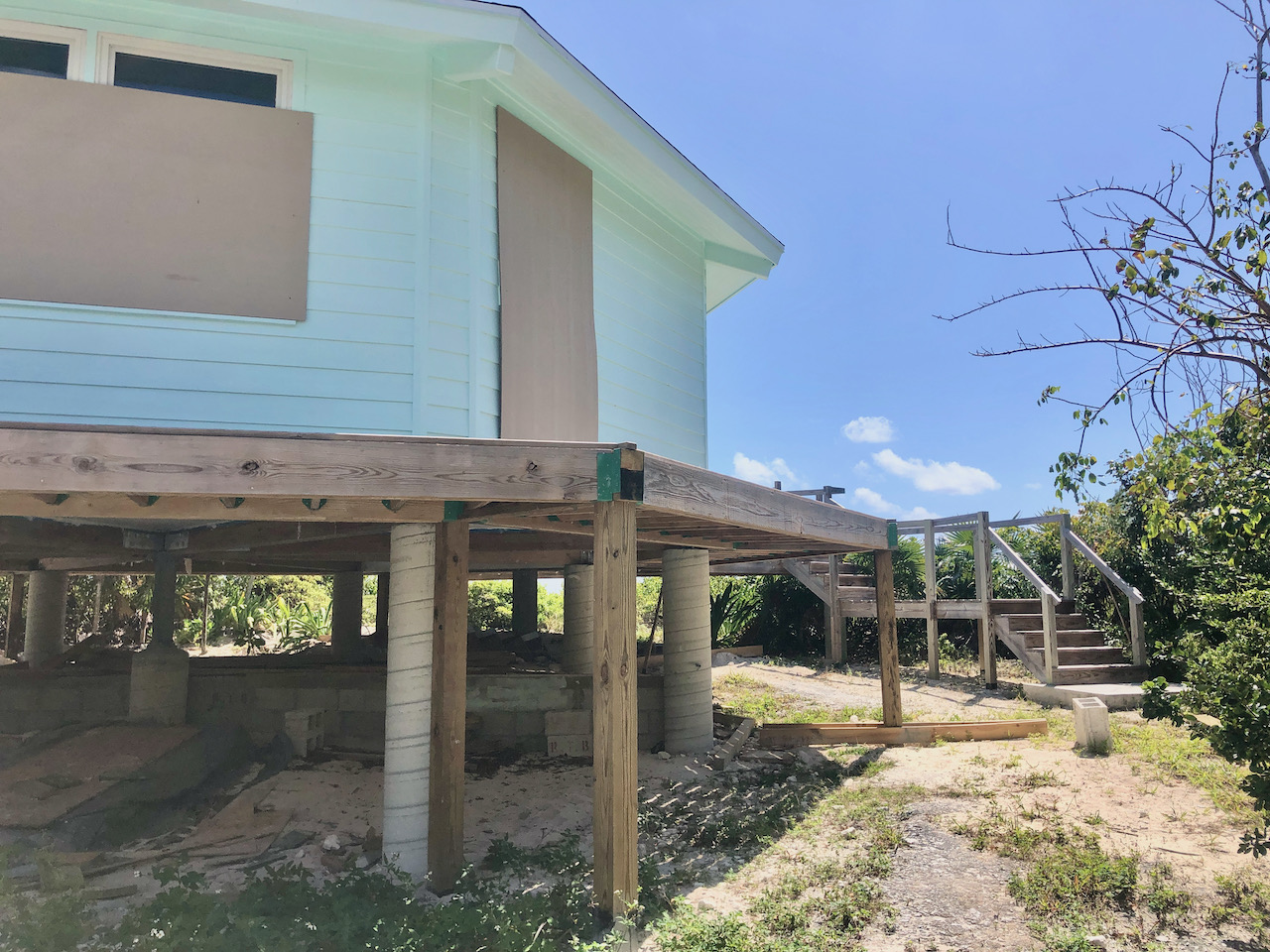 bahama-palm-shores-beachfront-home-for-sale-12