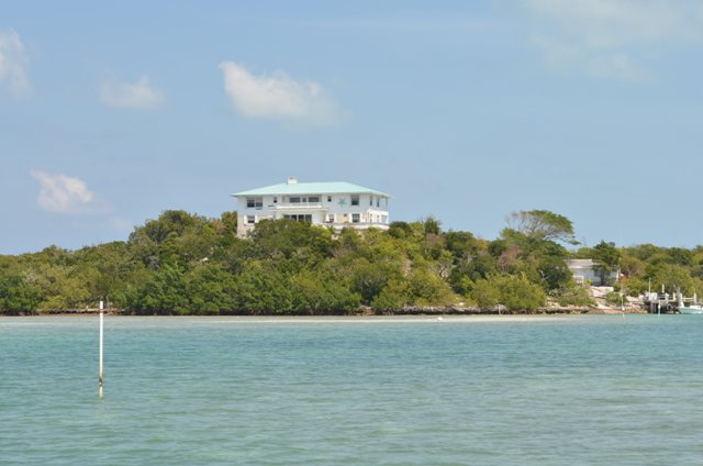 /listing-the-grand-cays-3872.html from Coldwell Banker Bahamas Real Estate