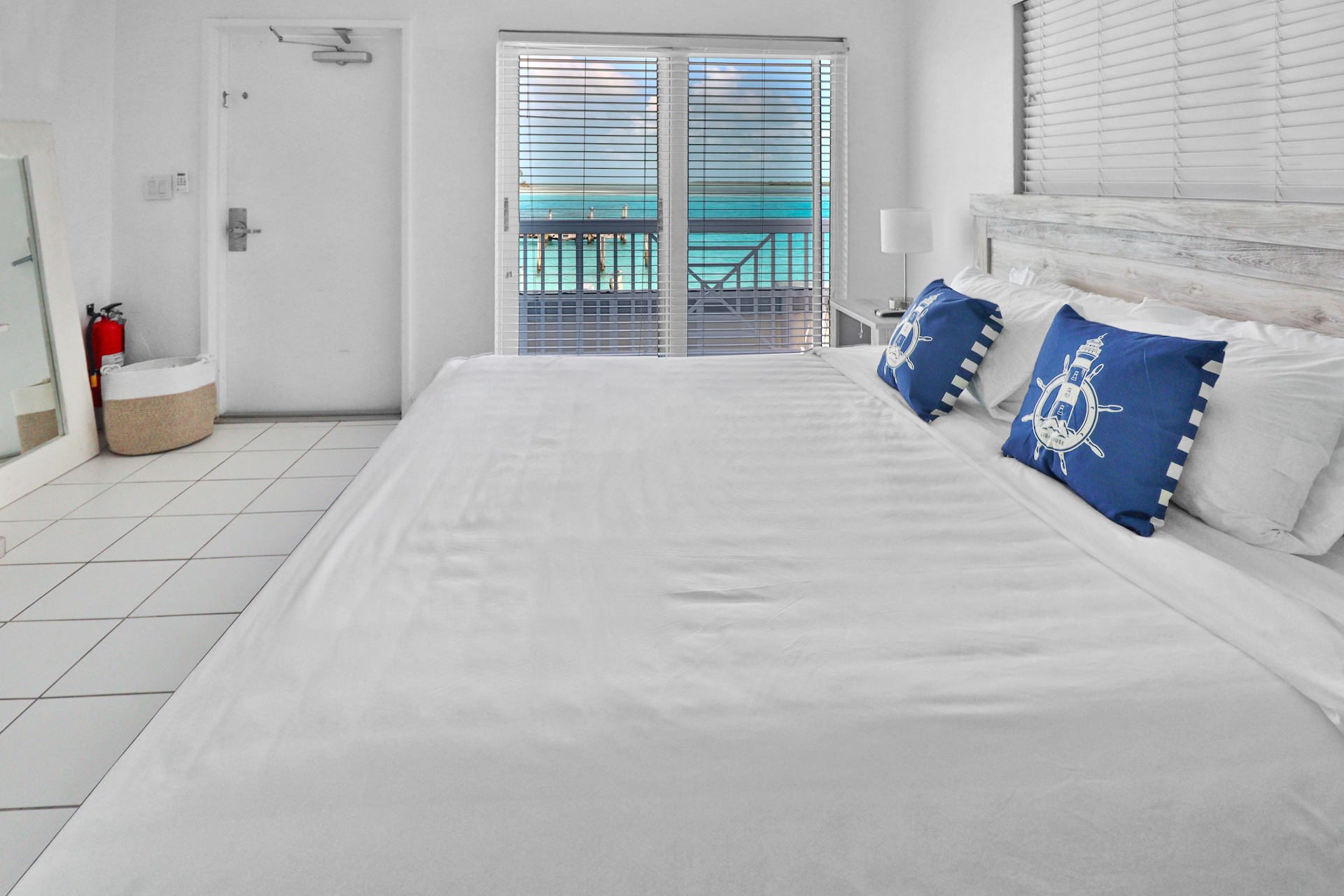 business-investment-alice-town-bimini-real-estate-12