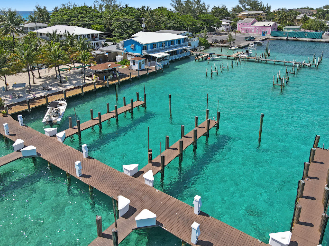 business-investment-alice-town-bimini-real-estate-18