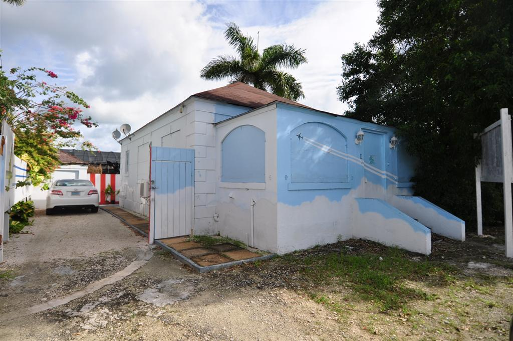 /listing-rented-commercial-rental-7623.html from Coldwell Banker Bahamas Real Estate