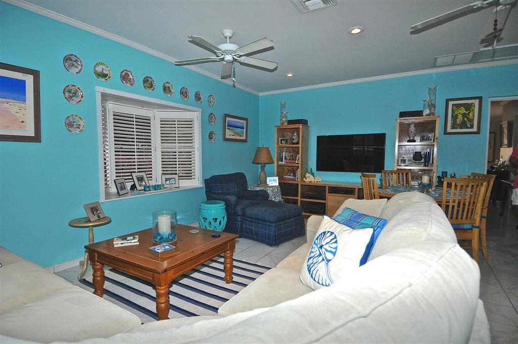 Home for sale in Sans Souci Nassau Bahamas