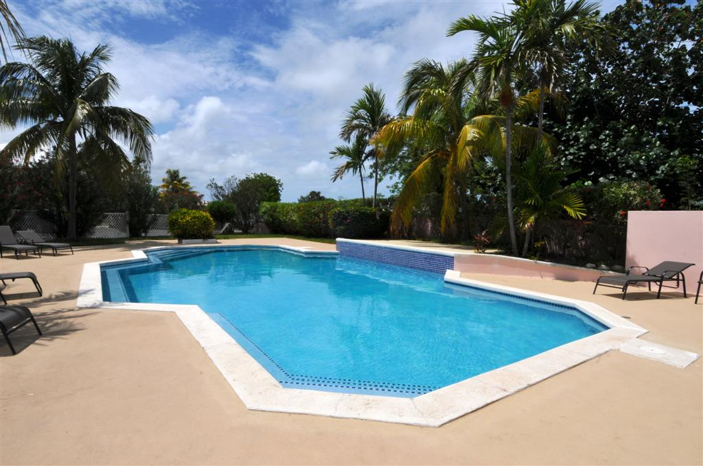 Nassau Gated Community Townhouse For Sale with Pool