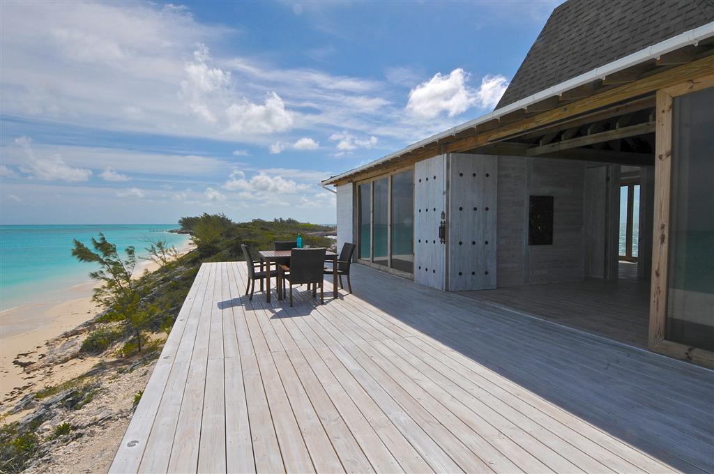 Rose Island home for sale beachfront Bahamas