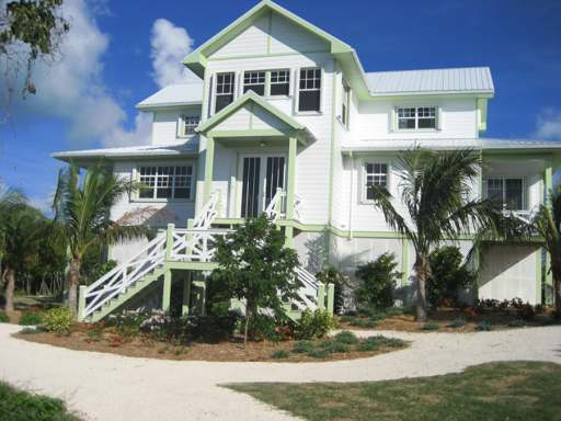 /listing-single-family-home-in-guana-cay-23108.html from Coldwell Banker Bahamas Real Estate