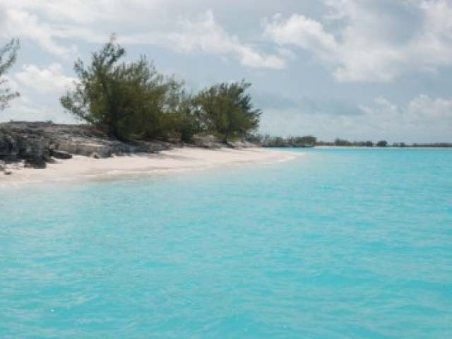 /listing-lots-acreage-in-cape-santa-maria-33267.html from Coldwell Banker Bahamas Real Estate