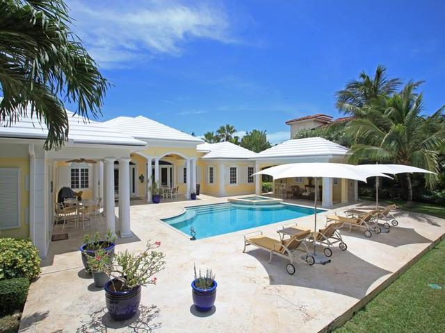 /listing-single-family-home-in-paradise-island-13191.html from Coldwell Banker Bahamas Real Estate