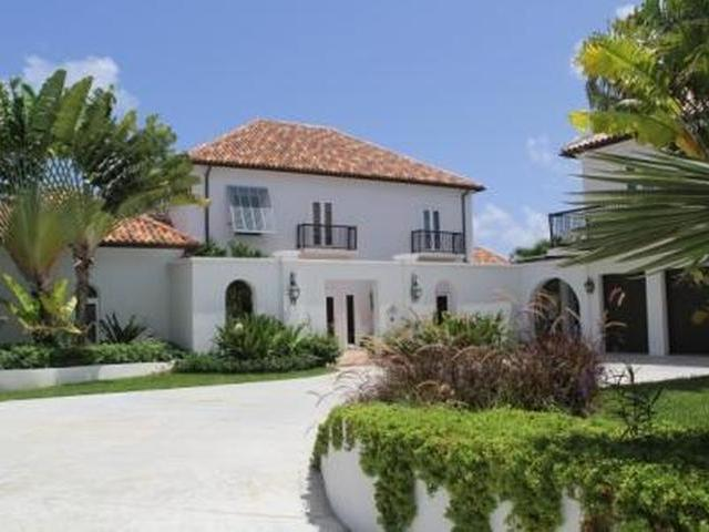 /listing-single-family-home-in-paradise-island-17495.html from Coldwell Banker Bahamas Real Estate