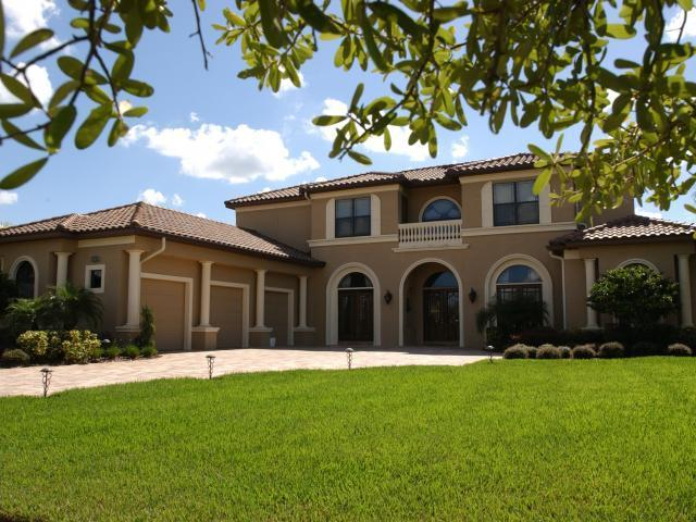 /listing-single-family-home-in-west-end-17968.html from Coldwell Banker Bahamas Real Estate