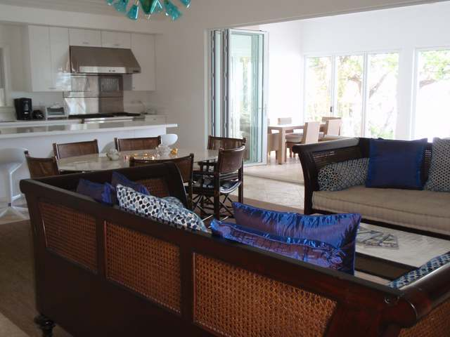 /listing-single-family-home-in-harbour-island-18310.html from Coldwell Banker Bahamas Real Estate