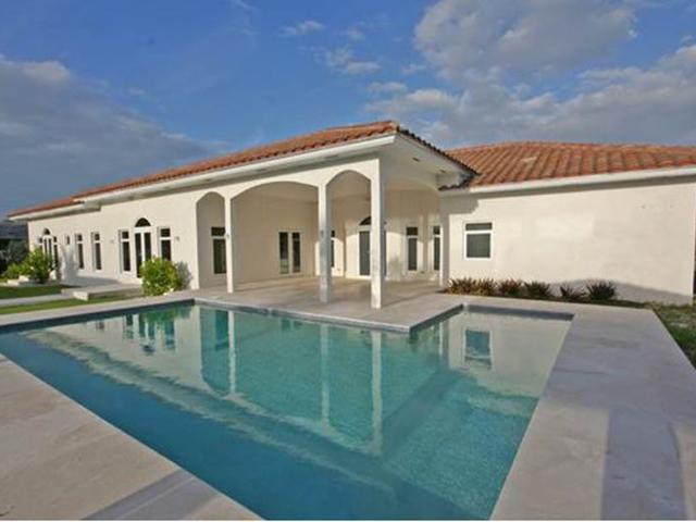 /listing-single-family-home-in-fortune-bay-30460.html from Coldwell Banker Bahamas Real Estate