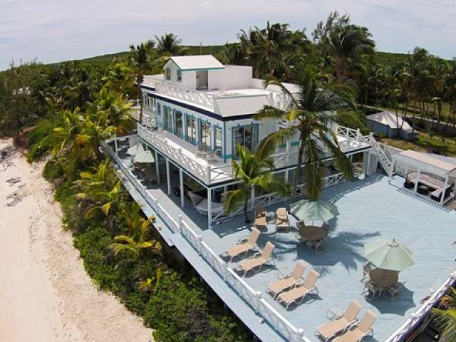 /listing-single-family-home-in-tar-bay-19942.html from Coldwell Banker Bahamas Real Estate