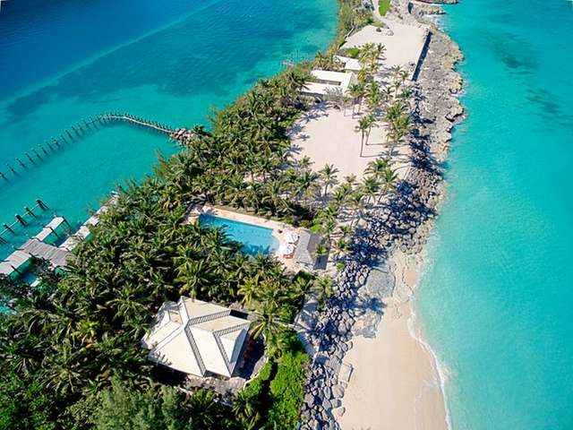/listing-resort-hotel-in-paradise-island-15612.html from Coldwell Banker Bahamas Real Estate