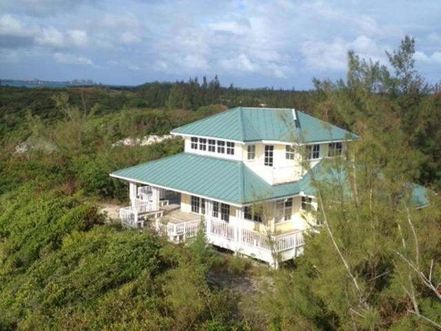 /listing-single-family-home-in-rose-island-18233.html from Coldwell Banker Bahamas Real Estate
