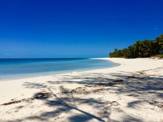 /listing-private-island-in-other-berry-islands-18231.html from Coldwell Banker Bahamas Real Estate