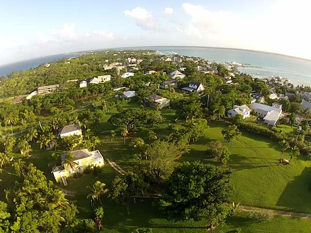 /listing-single-family-home-in-harbour-island-25426.html from Coldwell Banker Bahamas Real Estate