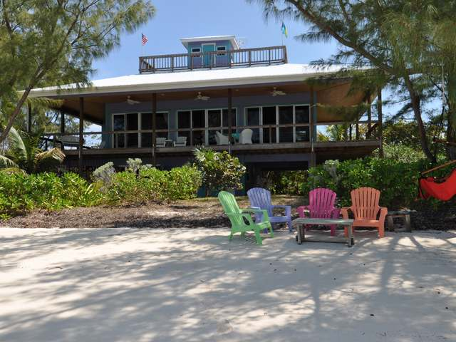 /listing-single-family-home-in-green-turtle-cay-26262.html from Coldwell Banker Bahamas Real Estate