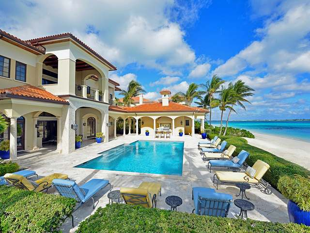 /listing-single-family-home-in-paradise-island-19967.html from Coldwell Banker Bahamas Real Estate