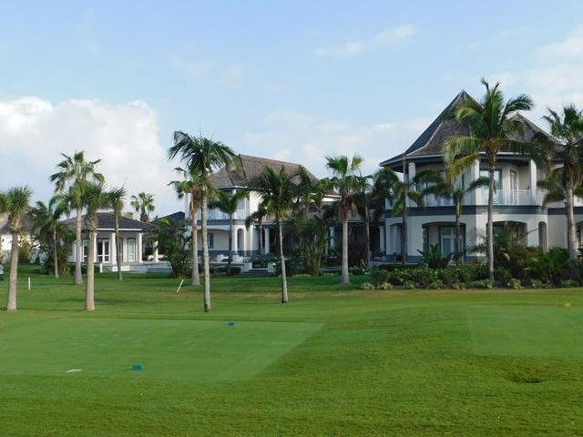 /listing-single-family-home-in-paradise-island-20129.html from Coldwell Banker Bahamas Real Estate