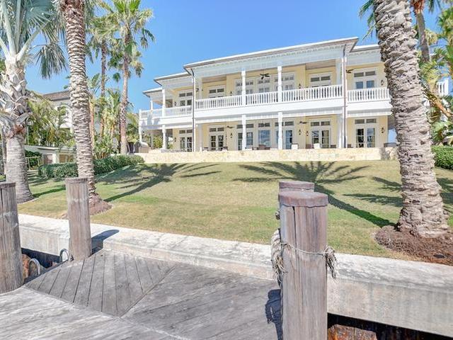 /listing-single-family-home-in-paradise-island-23394.html from Coldwell Banker Bahamas Real Estate