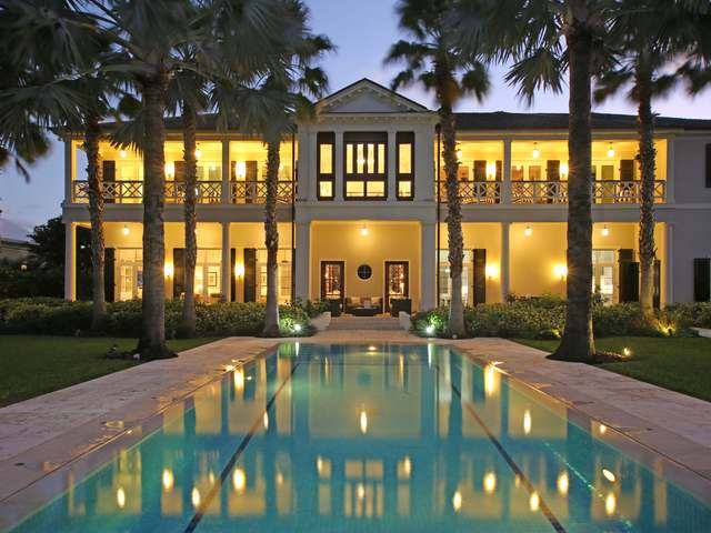 /listing-single-family-home-in-paradise-island-22374.html from Coldwell Banker Bahamas Real Estate
