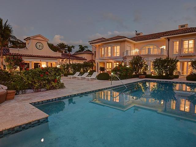 /listing-single-family-home-in-paradise-island-20241.html from Coldwell Banker Bahamas Real Estate