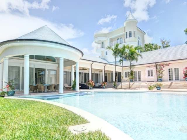 /listing-single-family-home-in-lyford-cay-20245.html from Coldwell Banker Bahamas Real Estate