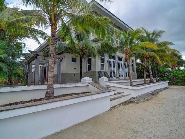 /listing-single-family-home-in-old-fort-bay-20442.html from Coldwell Banker Bahamas Real Estate