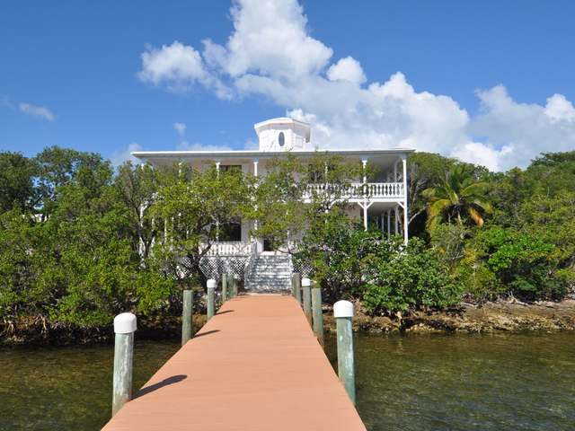 /listing-single-family-home-in-green-turtle-cay-26916.html from Coldwell Banker Bahamas Real Estate