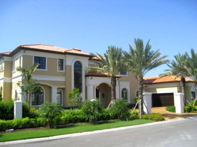 /listing-single-family-home-in-paradise-island-20860.html from Coldwell Banker Bahamas Real Estate