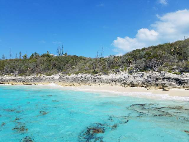 /listing-lots-acreage-in-rose-island-21352.html from Coldwell Banker Bahamas Real Estate