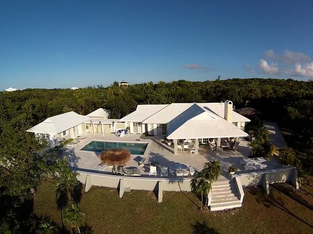 /listing-single-family-home-in-harbour-island-24035.html from Coldwell Banker Bahamas Real Estate
