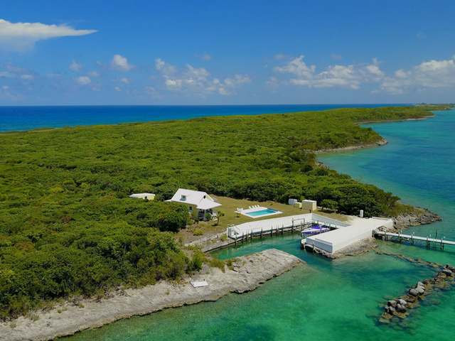 /listing-single-family-home-in-tilloo-cay-26140.html from Coldwell Banker Bahamas Real Estate