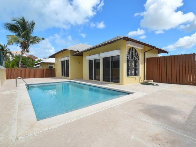 /listing-single-family-home-in-paradise-island-21868.html from Coldwell Banker Bahamas Real Estate