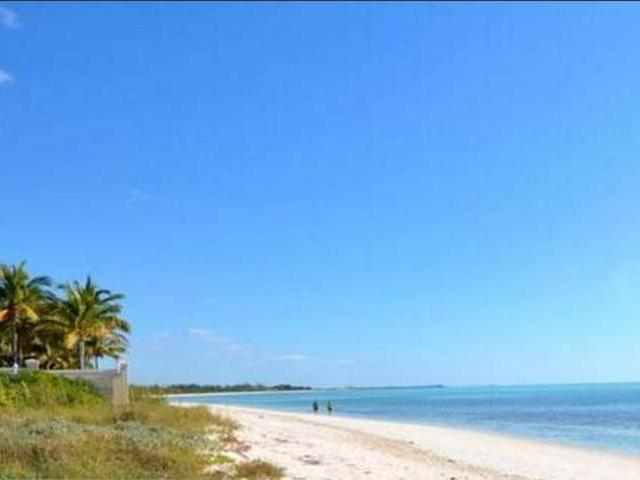 /listing-single-family-home-in-fortune-bay-25240.html from Coldwell Banker Bahamas Real Estate