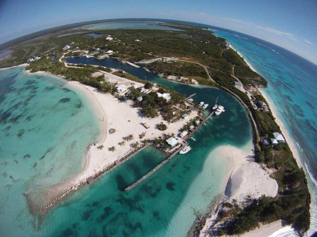 /listing-lots-acreage-in-rum-cay-22611.html from Coldwell Banker Bahamas Real Estate