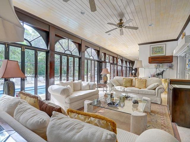 /listing-single-family-home-in-lyford-cay-22564.html from Coldwell Banker Bahamas Real Estate