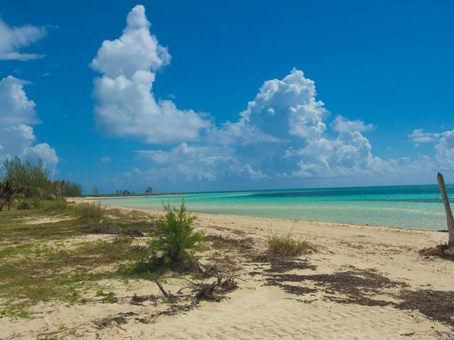 /listing-single-family-home-in-fortune-bay-23317.html from Coldwell Banker Bahamas Real Estate