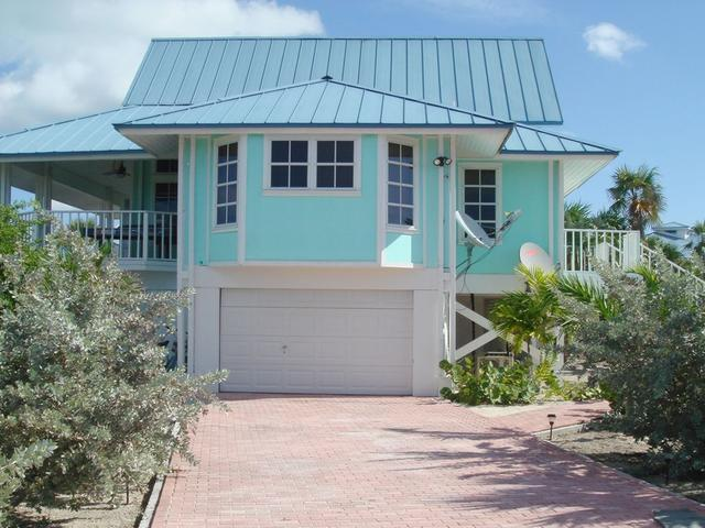 /listing-single-family-home-in-hawks-nest-24013.html from Coldwell Banker Bahamas Real Estate