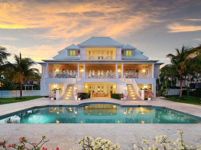 /listing-single-family-home-in-paradise-island-25125.html from Coldwell Banker Bahamas Real Estate