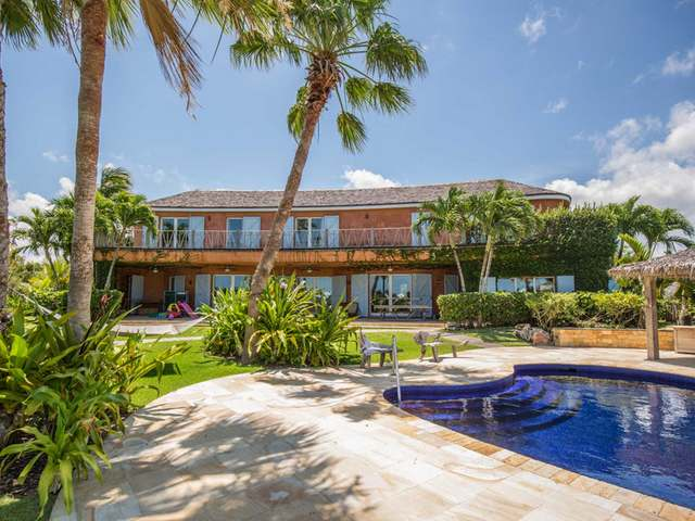 /listing-single-family-home-in-old-fort-bay-25769.html from Coldwell Banker Bahamas Real Estate