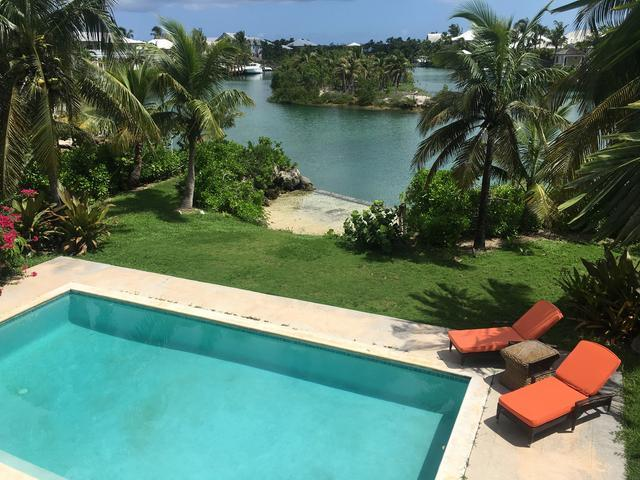 /listing-single-family-home-in-old-fort-bay-25847.html from Coldwell Banker Bahamas Real Estate