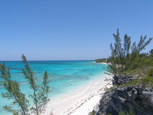/listing-lots-acreage-in-palmetto-point-26644.html from Coldwell Banker Bahamas Real Estate