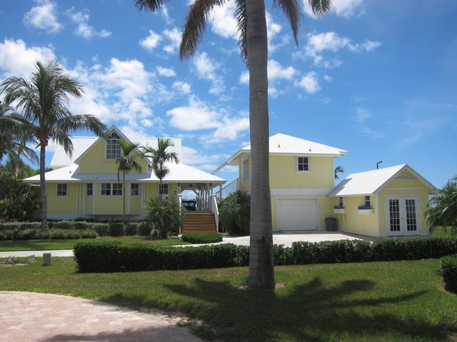 /listing-single-family-home-in-west-end-26753.html from Coldwell Banker Bahamas Real Estate