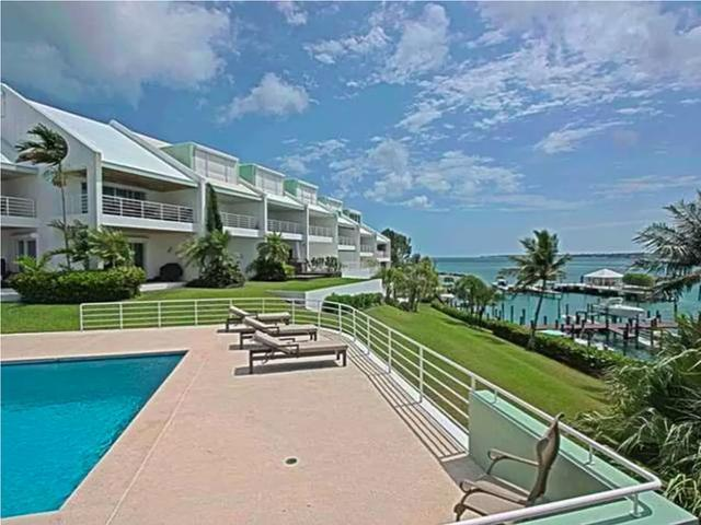 /listing-condo-in-paradise-island-26867.html from Coldwell Banker Bahamas Real Estate