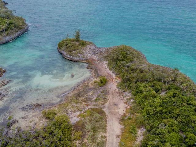 /listing-lots-acreage-in-savannah-sound-27642.html from Coldwell Banker Bahamas Real Estate