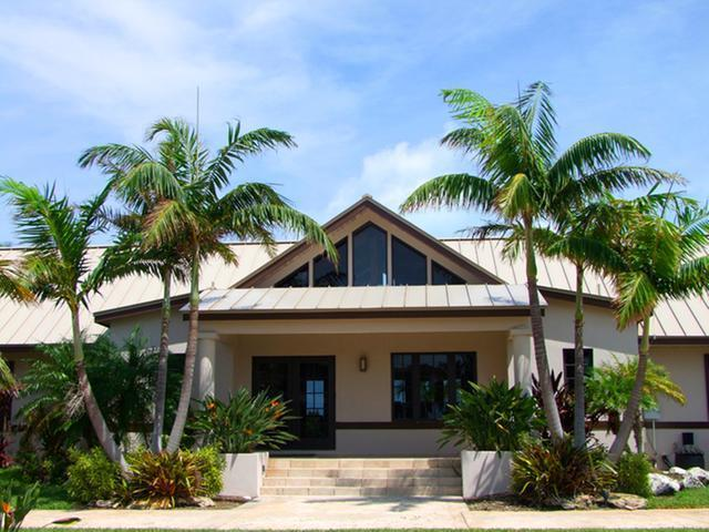 /listing-single-family-home-in-west-end-30225.html from Coldwell Banker Bahamas Real Estate